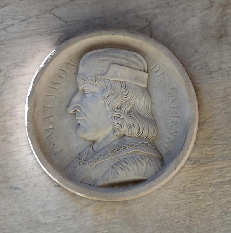 Médaillon de la fontaine du Roi René