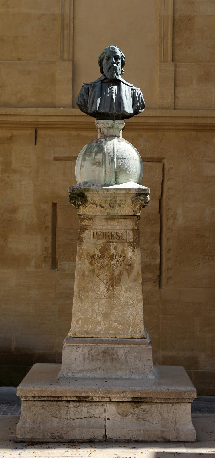 Statue Pereisc