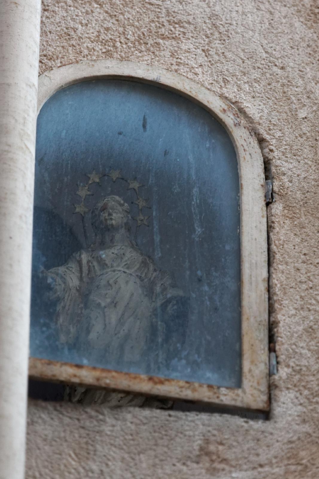 Vierge au Etoiles